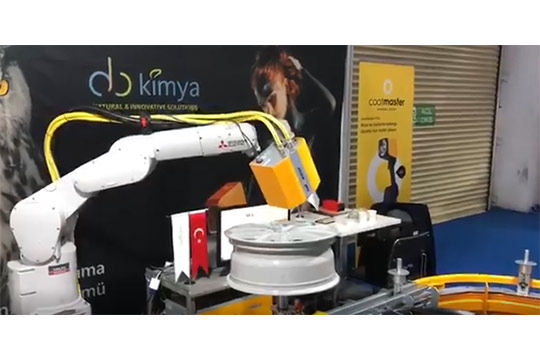 汽车轮毂测厚案例 涂魔师Inline结合机械手,对汽车轮毂进行在线式粉末膜厚测量